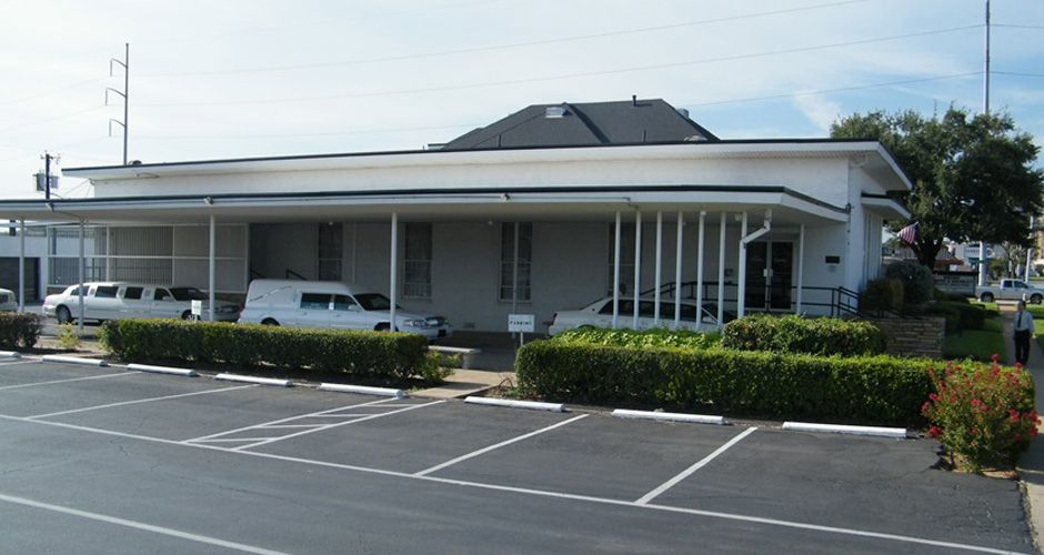 10_Chapel_Entrance_With_Awning__Parking_Lot